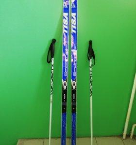 Лыжный набор (лыжи и палки)
