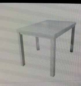 Стол на кухню простой белый
