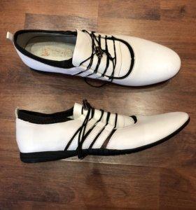 Ботинки для модницы новые