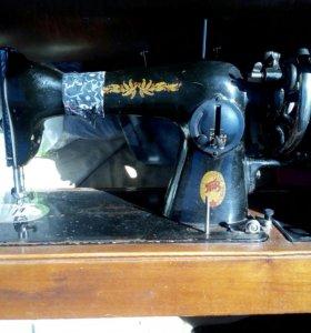"""Швейная машинка """"Zinger"""""""