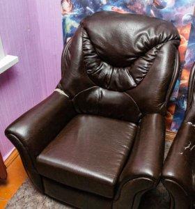 Кресло (Темная кожа)