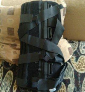 Тутор (ортез) на коленный сустав