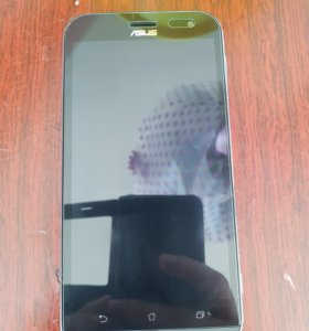 Флагман камерофон Asus ZenFone Zoom (ZX551ML)