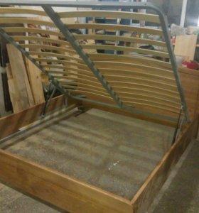 Кровати из массива дерева на заказ