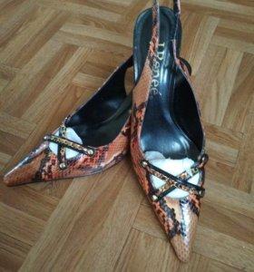 Продам новые летние туфельки-босоножки из кожи