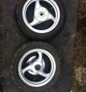 Продам колеса (резина, диски) от скутера