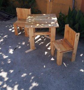 Детский комплект стол и стулья