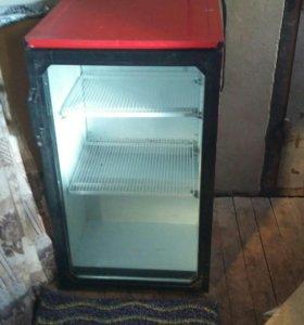 Холодильник .(витрина/