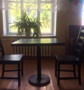 Столик 4000руб.стулья 1000руб,в наличии витрина х