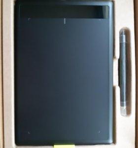 Графический планшет One by Wacom Medium