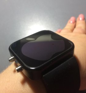 Часы электронные Apple