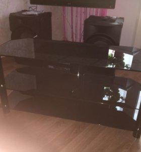 Продам стеклянный стол(подставка)