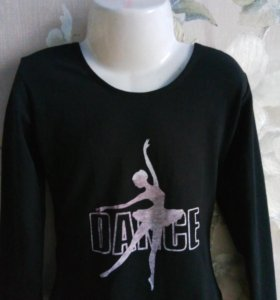 Черная водолазка с надписью Dance