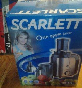 Соковыжималка Scarlett.