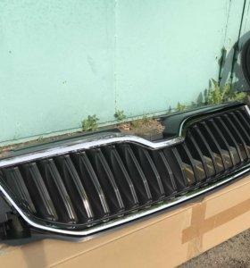 Продаю новую решетку радиатора