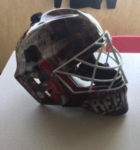 Вратарский шлем Masked Marvel