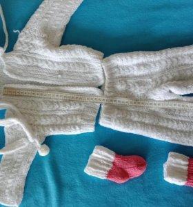Продам вязанный костюмчик, чепчик, носочки