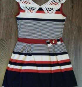 Летнее платье с кружевным воротником р.46