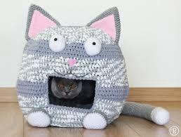 Домик для кошки / Вязанный домик для кошки