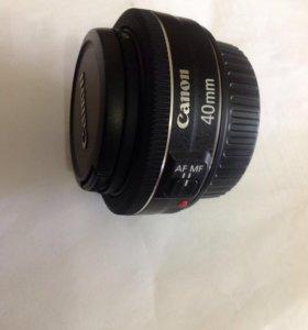 Объектив Canon 40 mm .