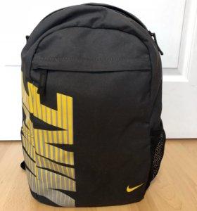 Рюкзак «Nike»
