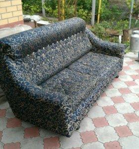 Продам диван на дачу