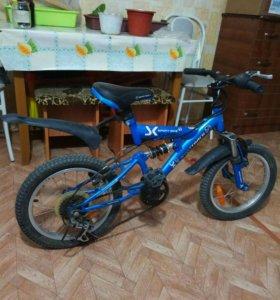 Велосипед для детей до лет 7-8 в хорошем состоянии