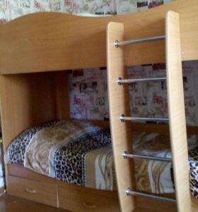 Кровать. В хорошем состоянии