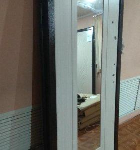 Продаётся входная металлическая дверь с зеркалом