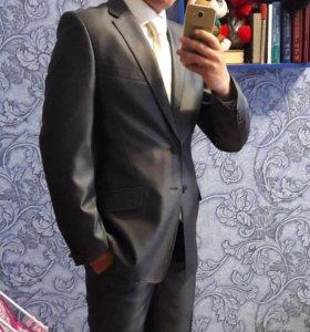 костюм мужской 48р