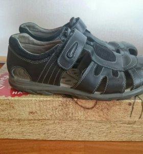 Кожаные сандали 38 размер