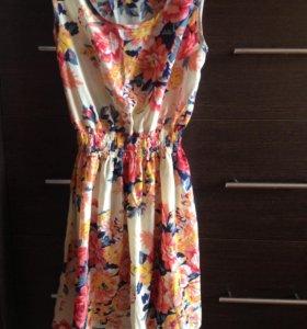 летнее яркое платье