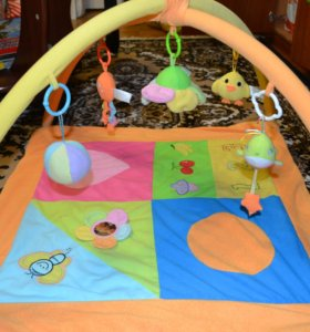 Развивающий коврик с дугами