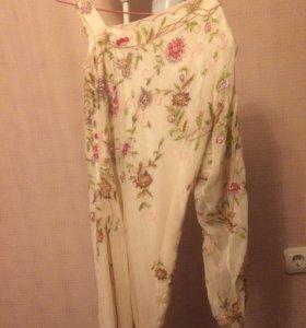 Вечернее платье с ручной вышивкой из бисера