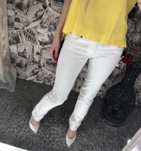 Фирменные джинсы новые