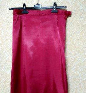 Юбка красная атласная с разрезами (стрейч)