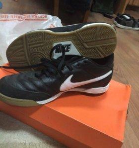 Футзалки Nike tiempro
