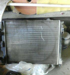 Радиатор рено логан 1