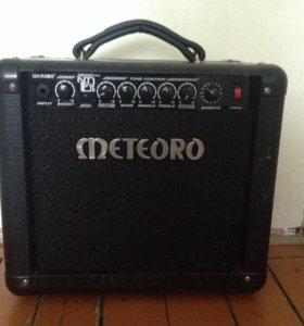 комбоусилитель Meteoro Nitroust drive ND E 15