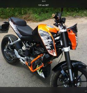Наклейки на мотоцикл Дюк 125.200.390