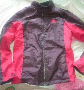 Куртка новая на флисе красная