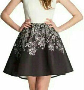 Платье нарядное 46