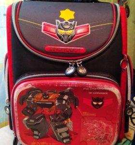 Школьный рюкзак фирмы Grizzly