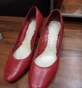 Туфли лодочки кожаные отличное состояние