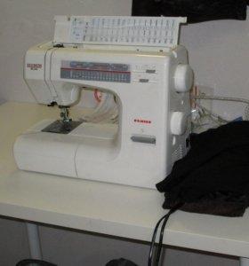 Швея по ремонту и пошиву одежды в ателье