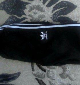 Мужские треники adidas на манжетах,маломерки.НОВЫЕ