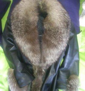 продам демисезонную куртку с мехом чернобурки
