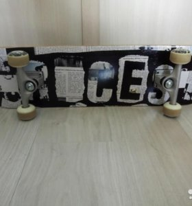 Продам скейтборд Roces Skull 2200