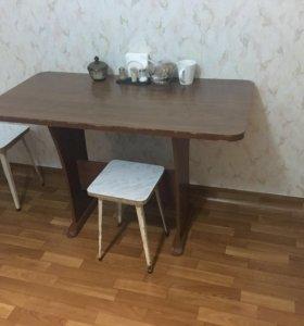 Стол кухонный б/у