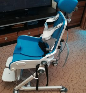 Кресло стул с санитарным оснащением Фламинго